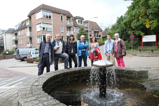 2B AND FRIENDS WITH A GRAVITY FED SUDS FOUNTAIN IN BEEK