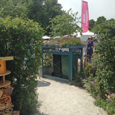 Permeable path and bin store green roof, RHS show